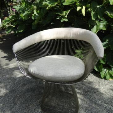 La chaise Warren Platner par Knoll
